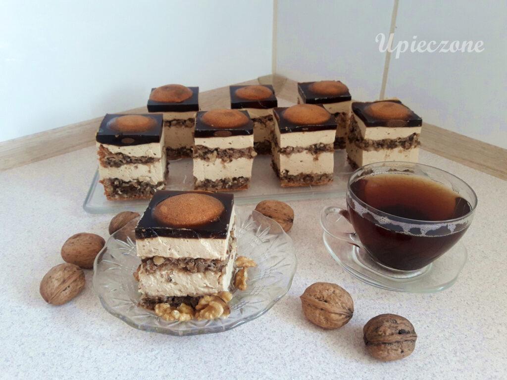 Ciasto kawowe z orzechowym biszkoptem i kawową galaretką